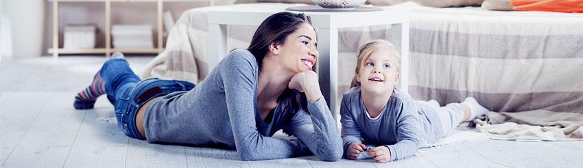 εικόνα μητέρας με κόρη από τη σελίδα ασφάλιση κατοικίας home style της generali