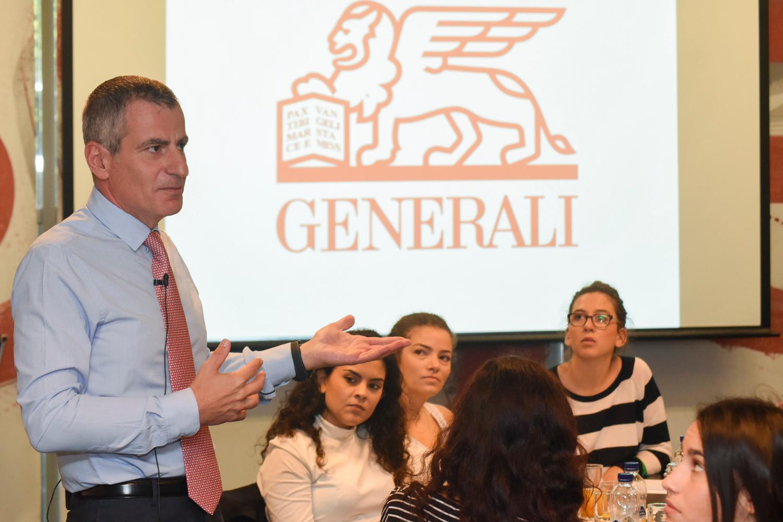 Ο CEO της Generali κ. Πάνος Δημητρίου συνομιλεί με τους συμμετέχοντες