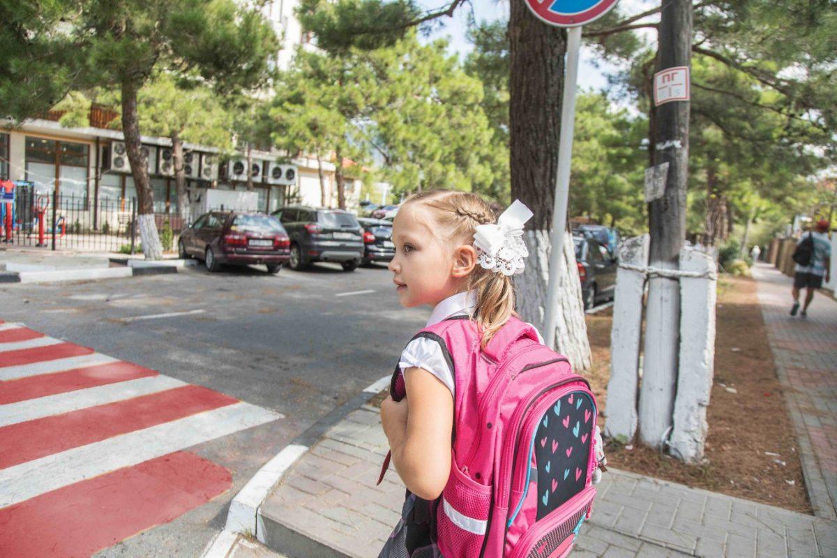 15 tips για ασφαλή οδήγηση κοντά σε πεζούς και ποδηλάτες