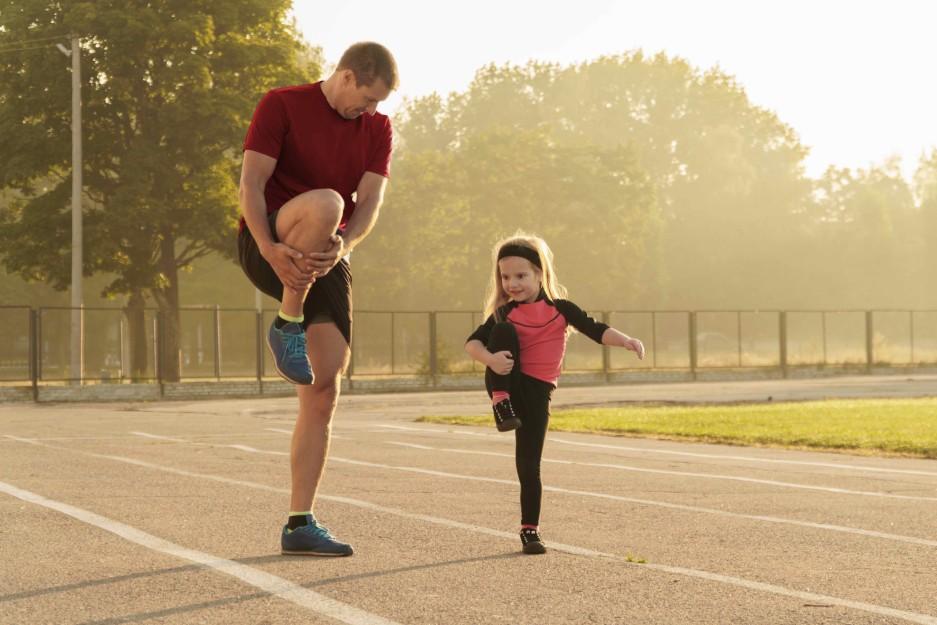 Πώς να βοηθήσετε το παιδί σας να ξεκινήσει το τρέξιμο
