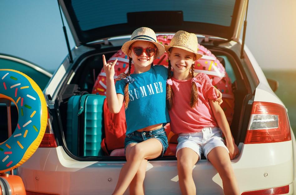 Πώς να ετοιμάσετε βαλίτσες για τις διακοπές με τα παιδιά